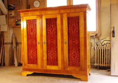egyedi antik szekrény készítés