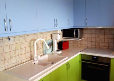magasfényű zöld konyhabútor